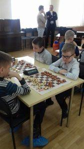 На турнире по русским шахматам - таврелям.